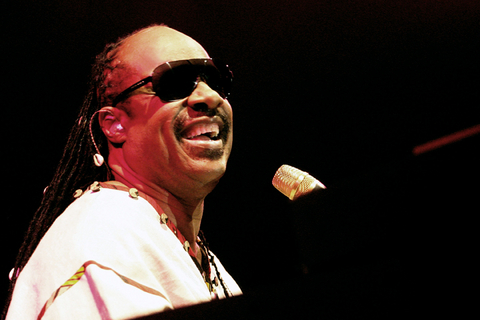 http://www.steviewonder.org.uk/bio/images/stevie_wonder.jpg